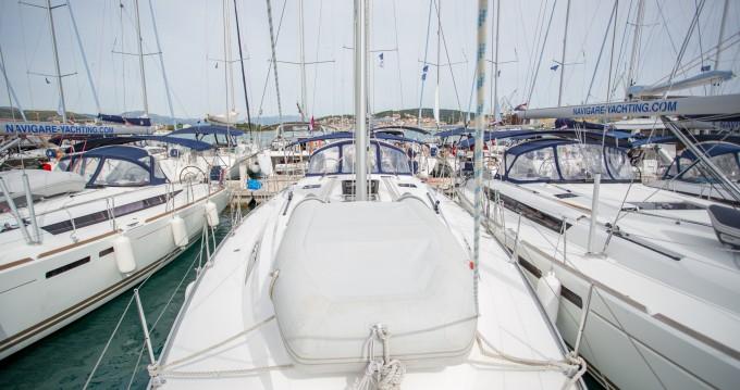 Verhuur Zeilboot in Athene - Bavaria Cruiser 46