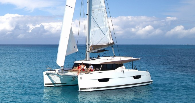 Verhuur Catamaran in Marina Cay - Fountaine Pajot Lucia 40