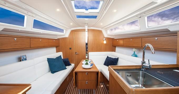 Bavaria Cruiser 33 te huur van particulier of professional in Jezera
