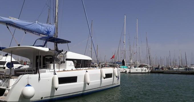 Bootverhuur Lagoon Lagoon 40 in Palma de Mallorca via SamBoat