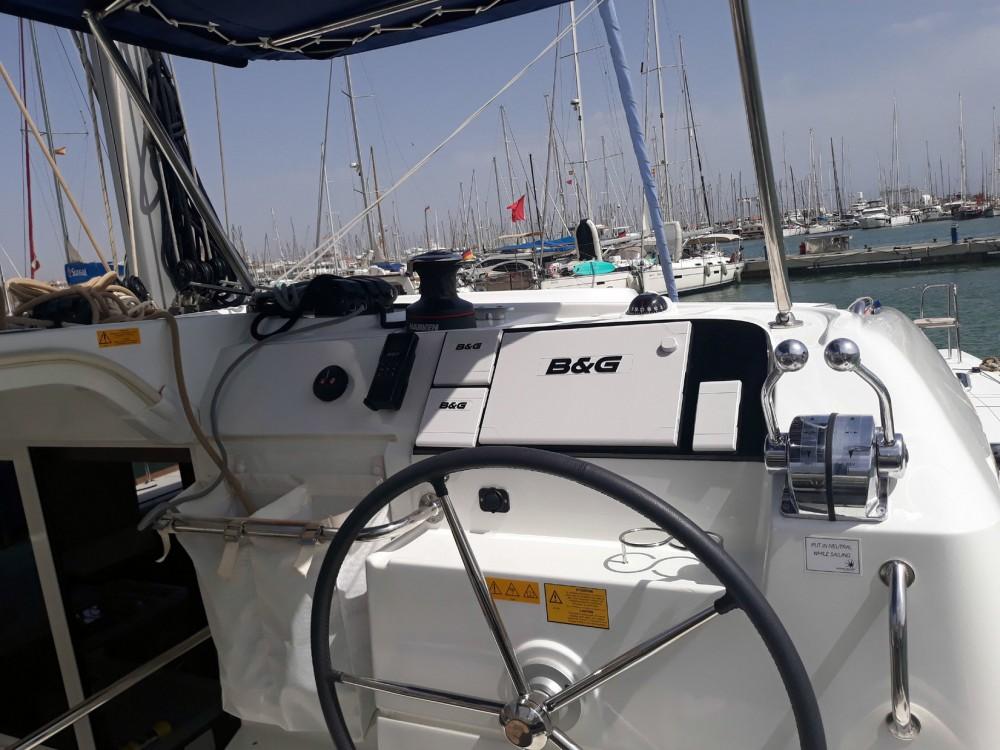 Huur een Lagoon Lagoon 40 - 4 + 2 cab  in Balearic Islands