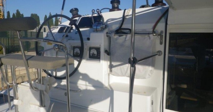 Bootverhuur Athene goedkoop Lagoon 400 S2