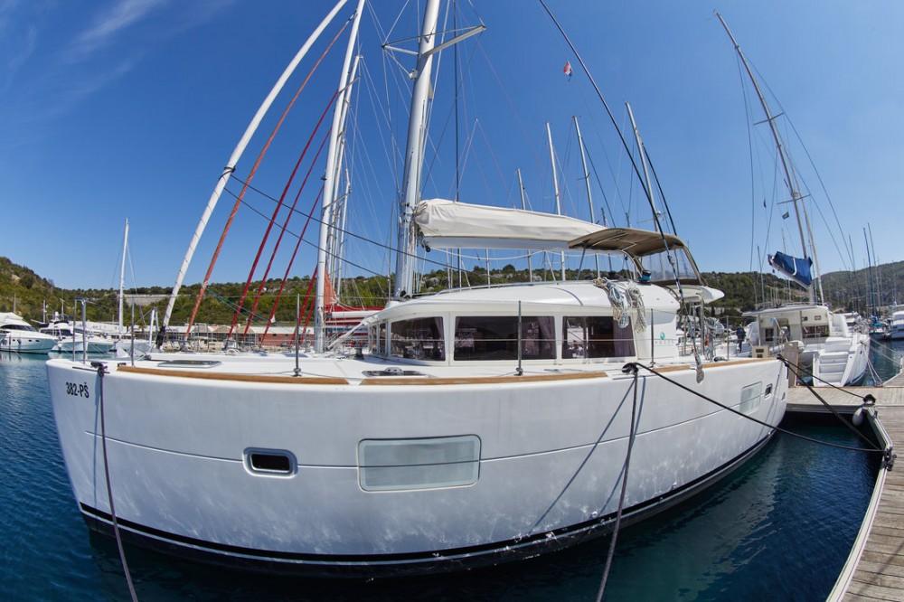 Huur Catamaran met of zonder schipper Lagoon in Primošten