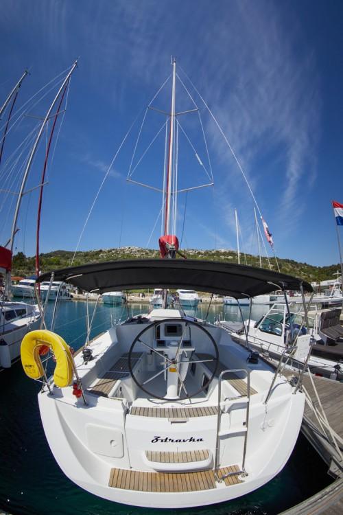 Verhuur Zeilboot in Primošten - Jeanneau Sun Odyssey 33i