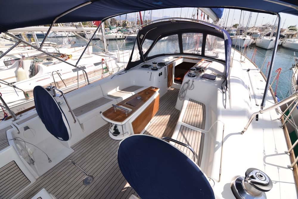 Verhuur Zeilboot in Attica - Bénéteau Oceanis 54 - 4 + 1 cab.