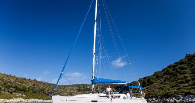 Huur een Jeanneau Sun Odyssey 36i in Volos