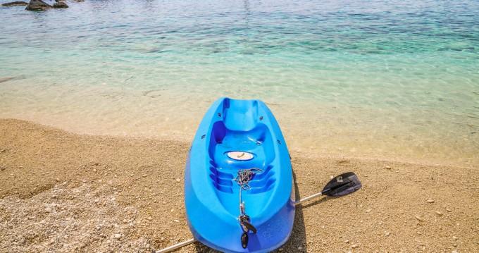 Catamaran te huur in Gouviá voor de beste prijs