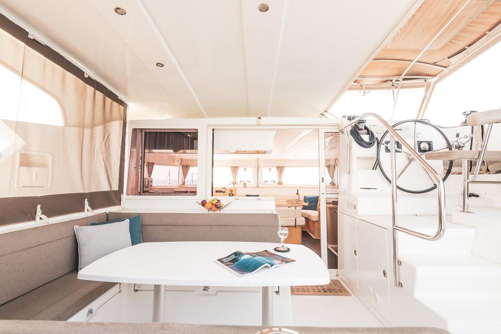 Huur Catamaran met of zonder schipper Lagoon in Λαύριο