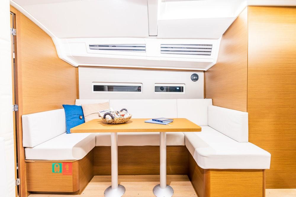 Bootverhuur Jeanneau Sun Odyssey 410 - 3 cab. in Attica via SamBoat