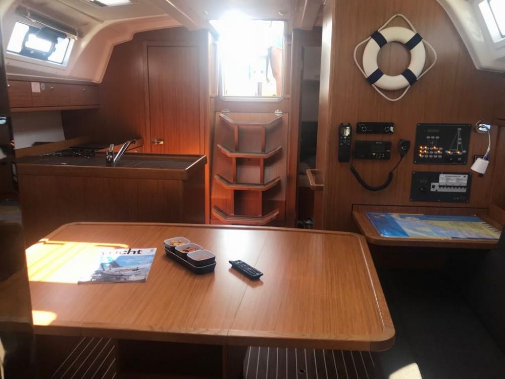 Bootverhuur Bavaria Bavaria Cruiser 37 - 3 cab. in Seget Donji via SamBoat
