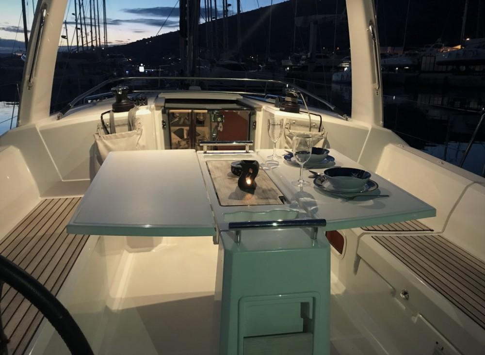 Verhuur Zeilboot in Seget Donji - Bénéteau Oceanis 38.1