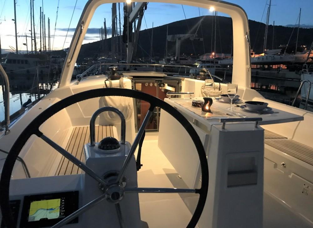 Huur Zeilboot met of zonder schipper Bénéteau in Seget Donji