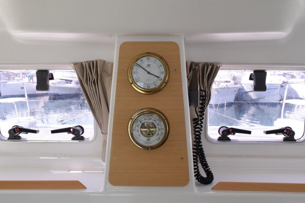Verhuur Catamaran in Attica - Lagoon Lagoon 380 S2 - 4 cab.
