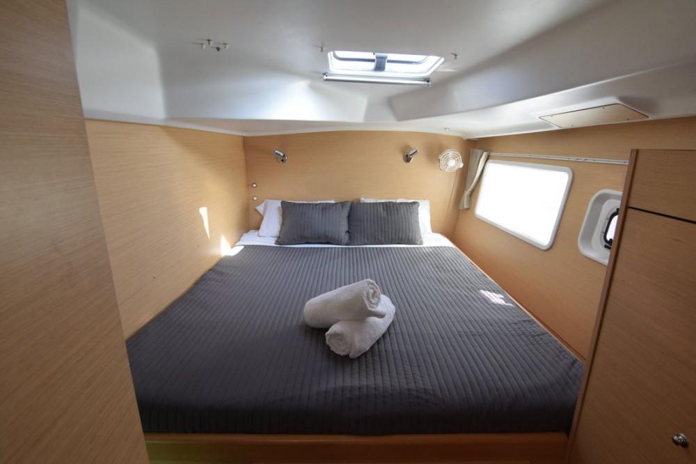 Huur Catamaran met of zonder schipper Lagoon in Attica