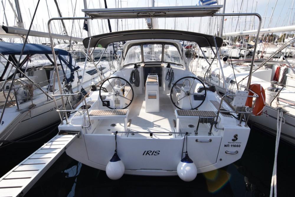 Huur een Bénéteau Oceanis 38.1 in Peloponnese