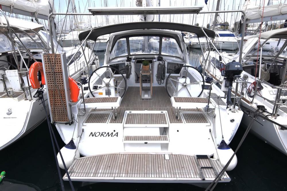 Bootverhuur Attica goedkoop Oceanis 41.1