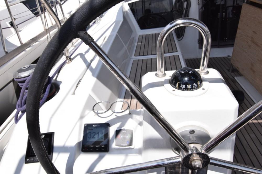 Verhuur Zeilboot in Attica - Bénéteau Oceanis 41.1