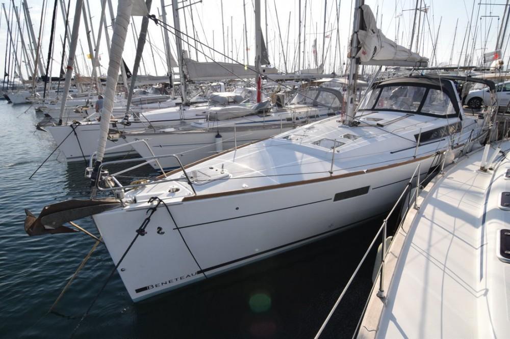 Verhuur Zeilboot in Attica - Bénéteau Oceanis 45 - 4 cab.