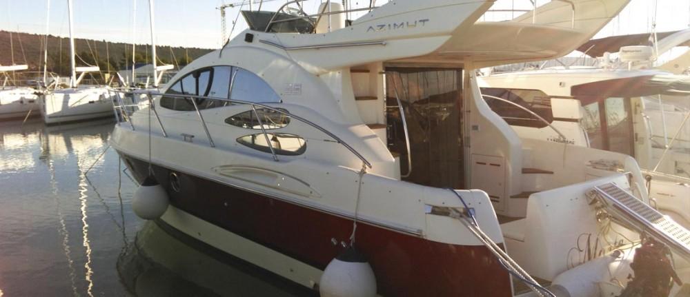 Huur Motorboot met of zonder schipper Azimut in Pirovac