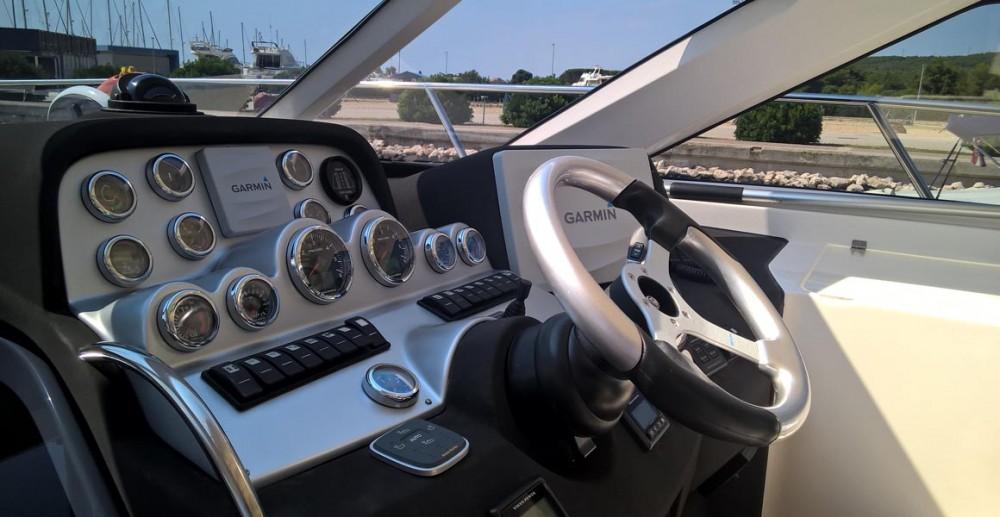 Bootverhuur Pirovac goedkoop Elan Power E35 Hard Top (Diesel)