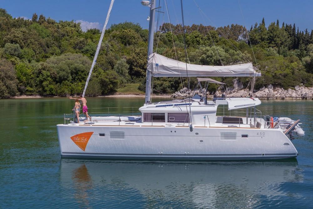 Bootverhuur Lagoon Lagoon 450 - 4 + 2 cab. in Peloponnesos, West-Griekenland en Ionische Eilanden via SamBoat