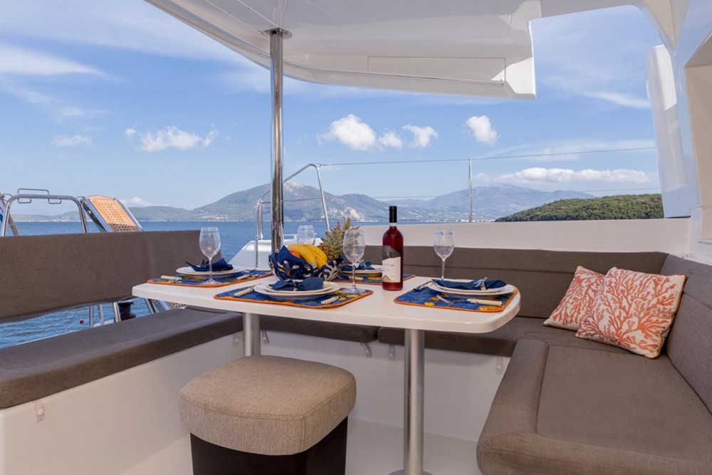 Catamaran te huur in Peloponnesos, West-Griekenland en Ionische Eilanden voor de beste prijs