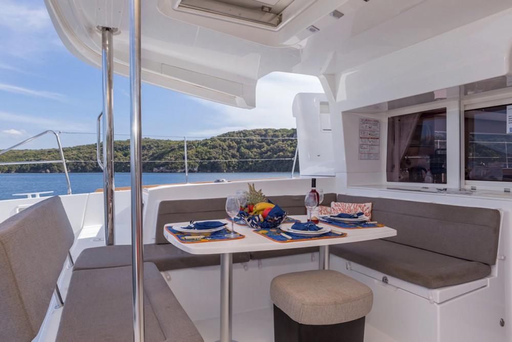 Huur Catamaran met of zonder schipper Lagoon in Peloponnesos, West-Griekenland en Ionische Eilanden