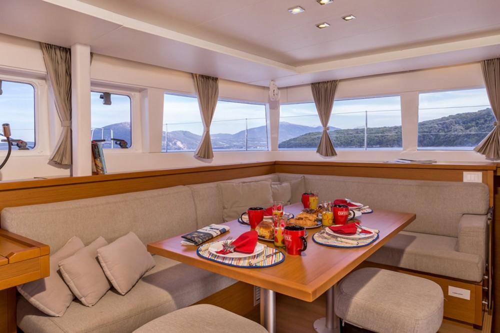 Verhuur Catamaran in Peloponnesos, West-Griekenland en Ionische Eilanden - Lagoon Lagoon 450 - 4 + 2 cab.