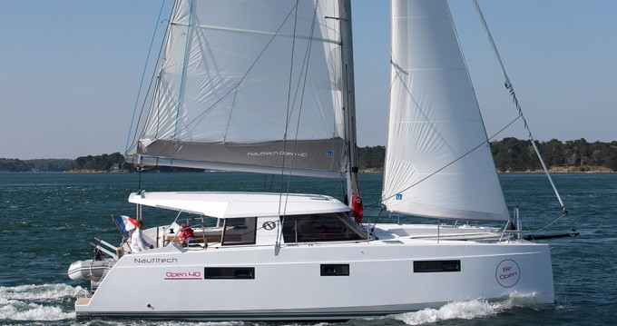 Verhuur Catamaran in Lefkada (Island) - Nautitech Nautitech 40