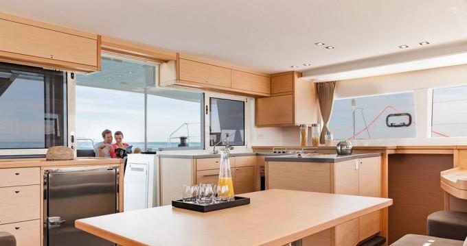 Catamaran te huur in Portocolom voor de beste prijs