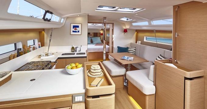 Verhuur Zeilboot in Ionian Islands - Jeanneau Sun Odyssey 440