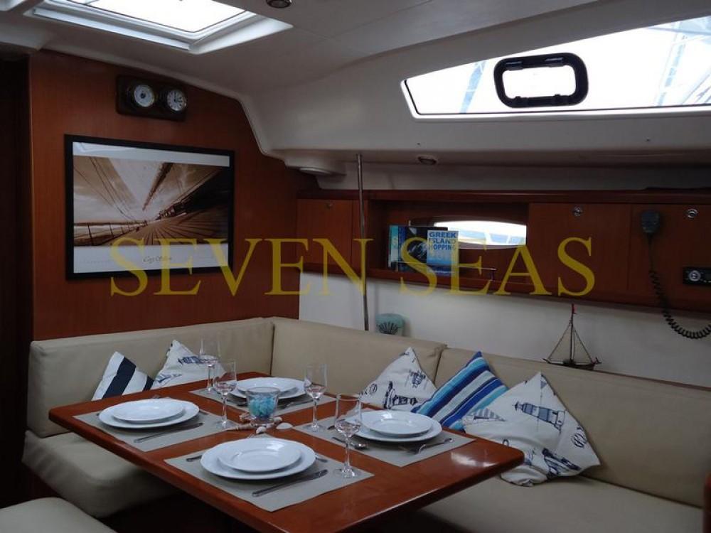 Bootverhuur Bénéteau Oceanis 43 in Peloponneso via SamBoat