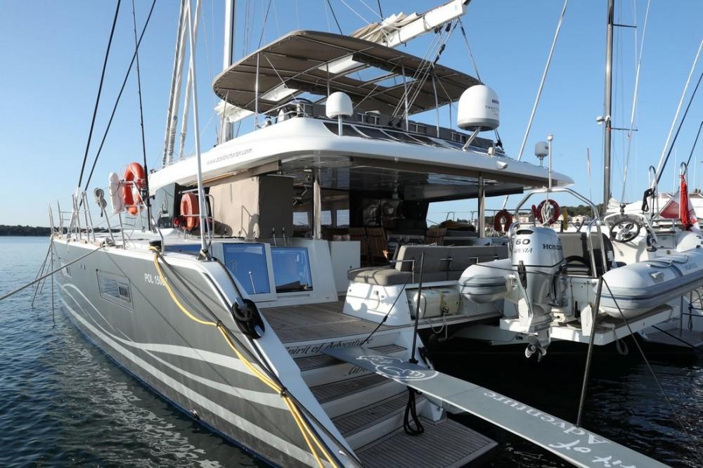 Verhuur Catamaran in Pula - Lagoon Lagoon 620