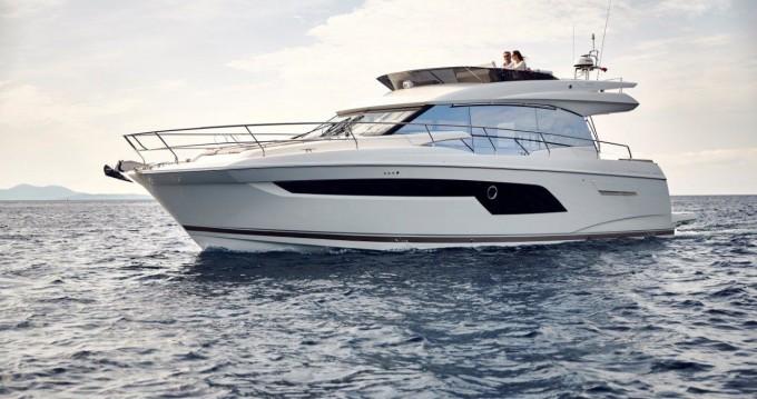 Huur Motorboot met of zonder schipper Jeanneau in Podstrana