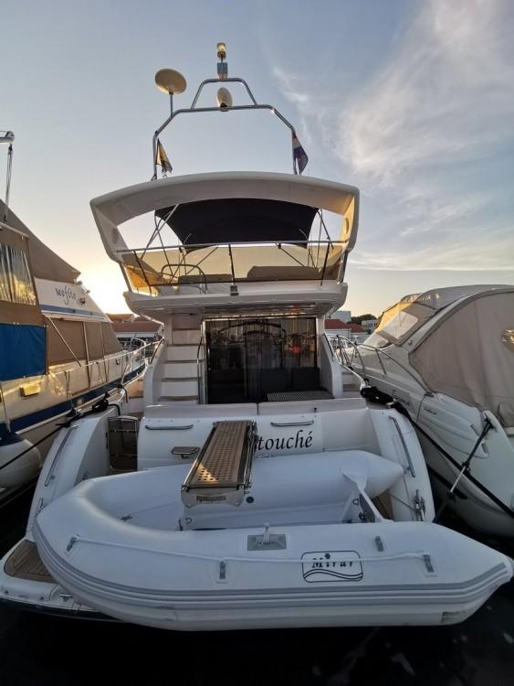 Motorboot te huur in Podstrana voor de beste prijs