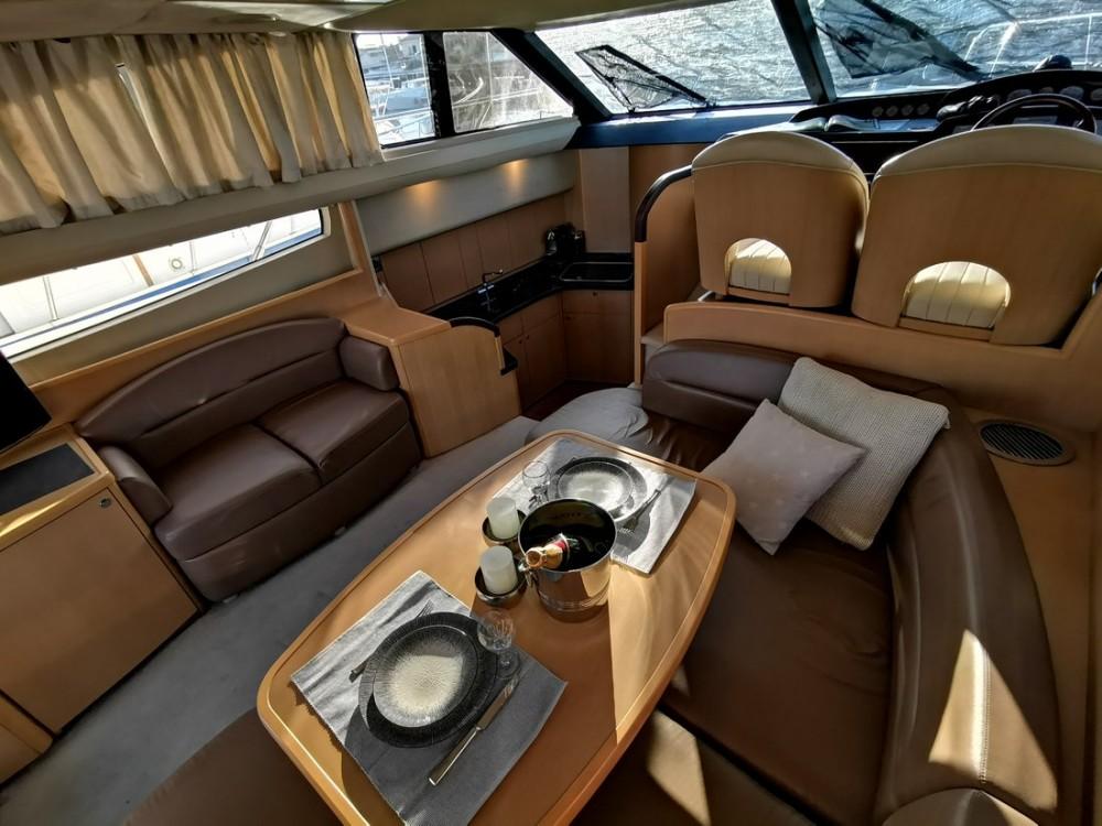 Jachthuur in Podstrana - Princess-Yachts Princess 42 Fly via SamBoat