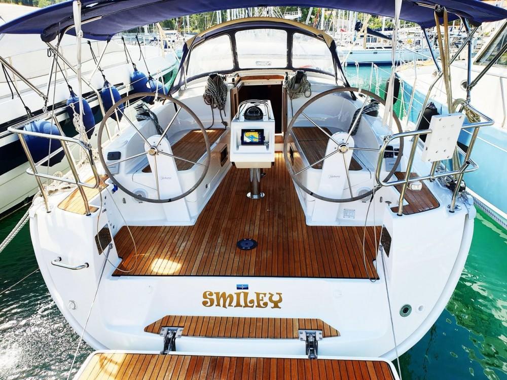 Bootverhuur Split goedkoop Bavaria Cruiser 37 - 3 cab.