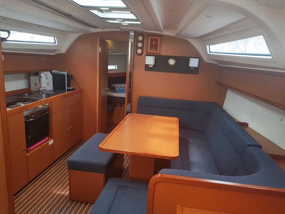 Bootverhuur Split goedkoop Bavaria Cruiser 41 - 3 cab.