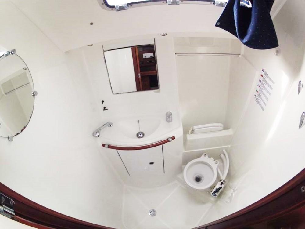 Bootverhuur Bénéteau Oceanis Clipper 393 in Split via SamBoat