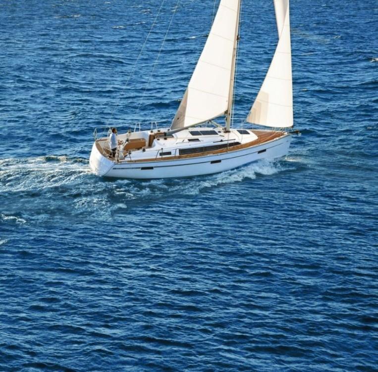 Huur een Bavaria Cruiser 37 in Peloponnese