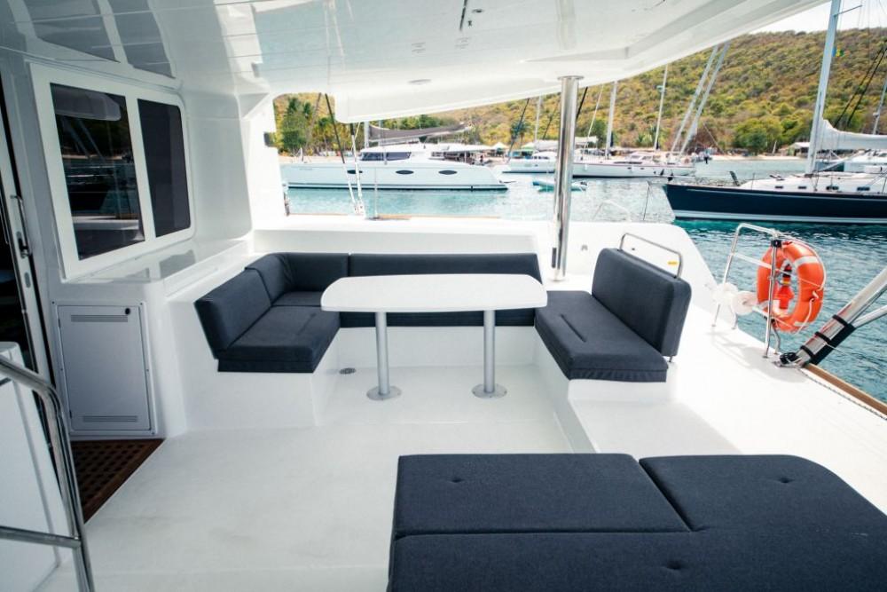 Verhuur Catamaran in Nassau - Lagoon Lagoon 52