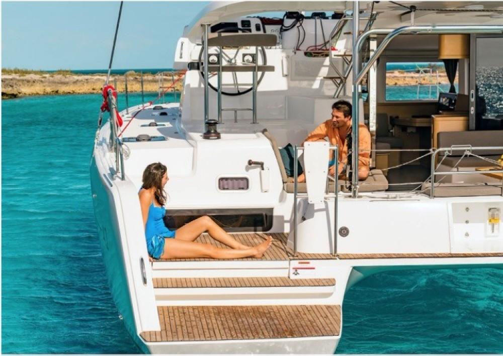 Catamaran te huur in St. George's voor de beste prijs
