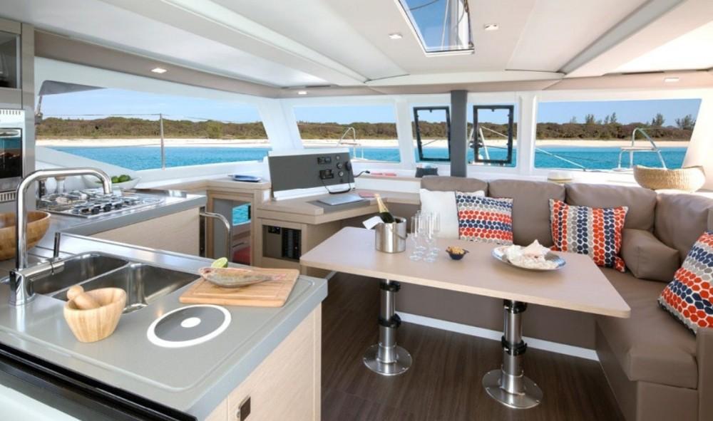 Huur Catamaran met of zonder schipper Fountaine Pajot in Pointe-à-Pitre