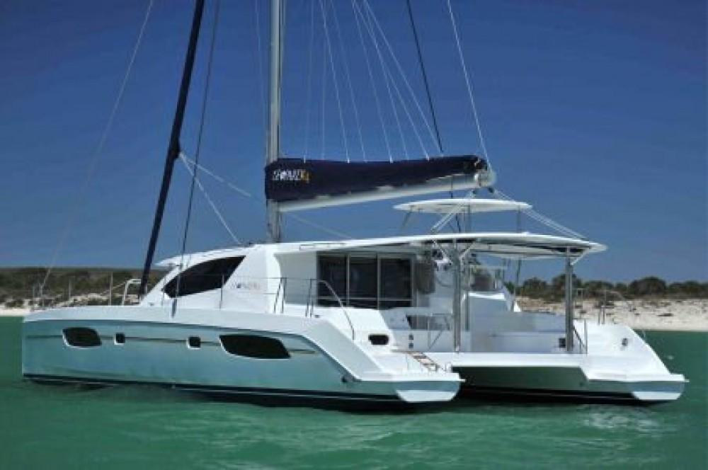 Verhuur Catamaran Robertson-Caine met vaarbewijs