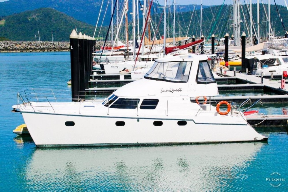 Boston Whaler Conquest 44 te huur van particulier of professional in Airlie Beach