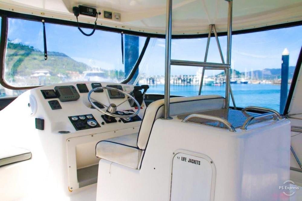 Jachthuur in Airlie Beach - Boston Whaler Conquest 44 via SamBoat