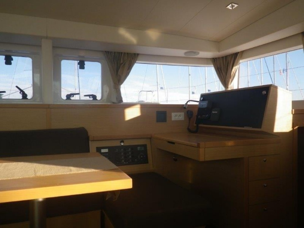 Catamaran te huur in Central Greece voor de beste prijs