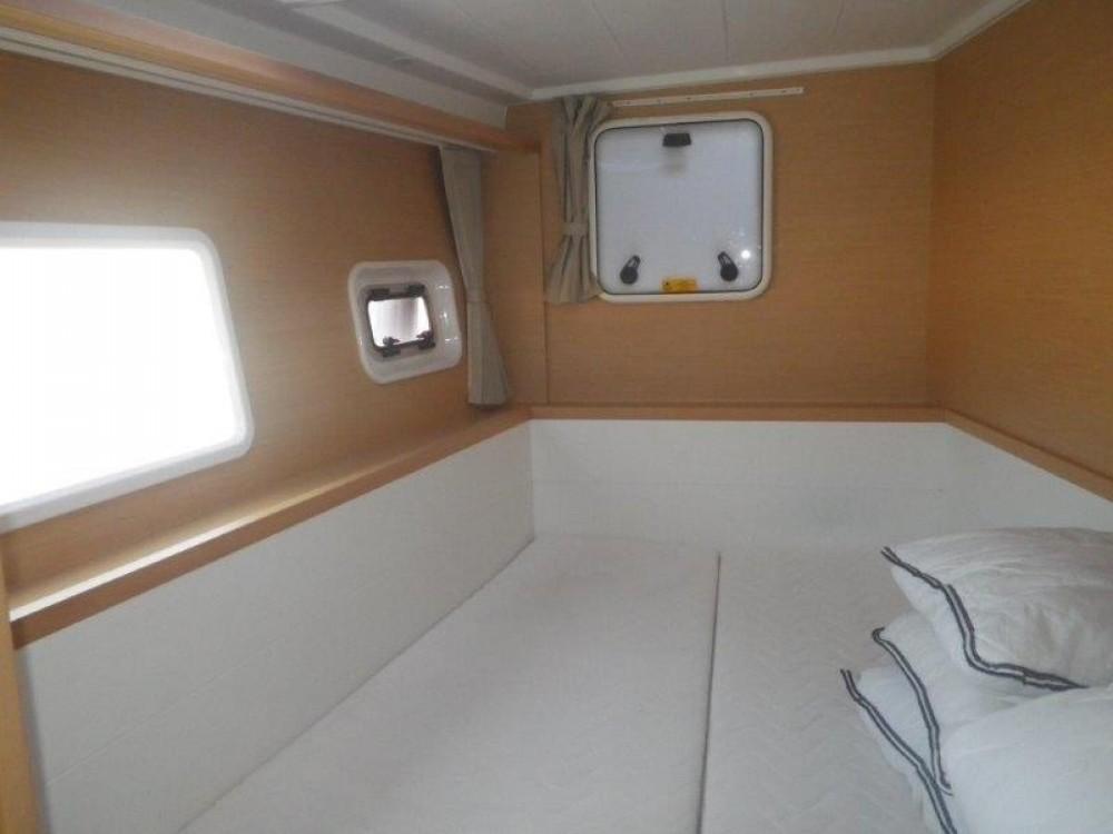 Bootverhuur Central Greece goedkoop Lagoon 400 S2 - 4 + 2 cab.