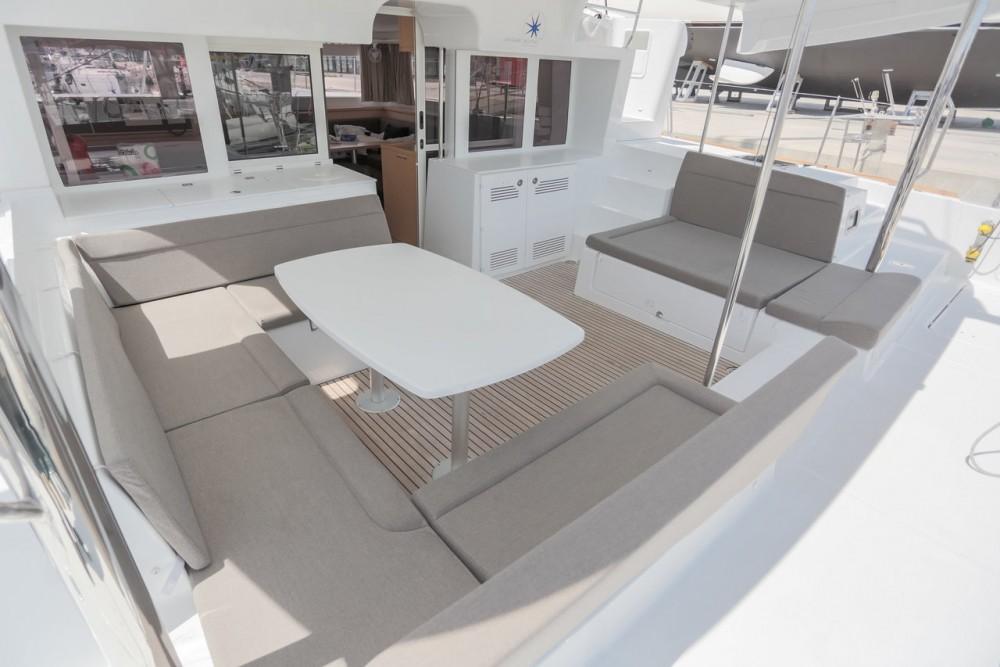 Catamaran te huur in Balearic Islands voor de beste prijs