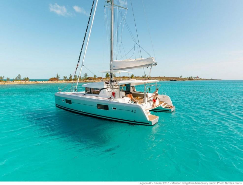 Bootverhuur Lagoon Lagoon 42 in Peloponnese via SamBoat